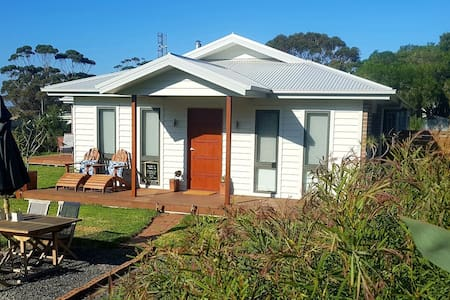 Tombolo Too, Self contained 2 BR,  Wilsons Prom
