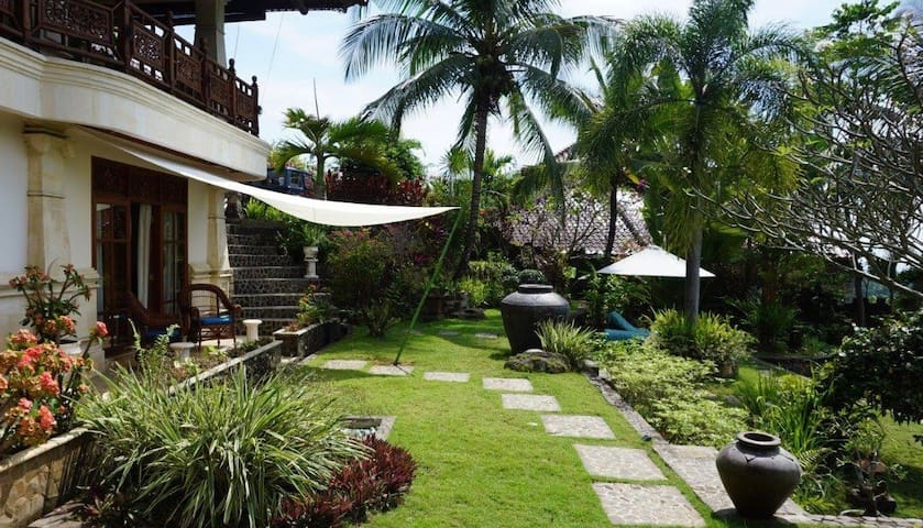 Relax in style in a Garden Suite -  North Bali - Seririt