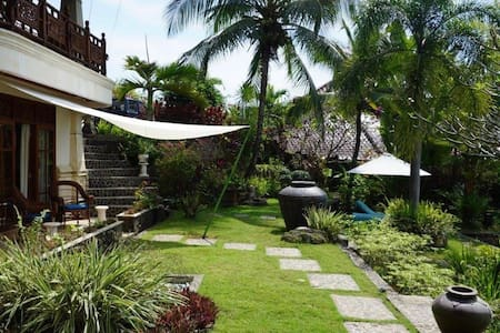 Relax in style in a Garden Suite -  North Bali - Seririt - 精品酒店