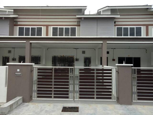Nana Home Stay (Newly built house)