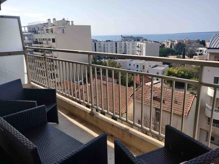 Flat with 2 bedrooms near beaches and with parking
