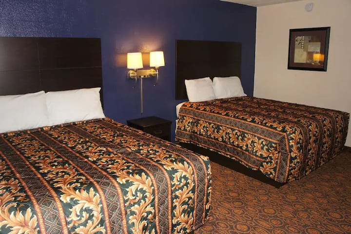Coratel Inn & Suites Waite Park - Standard 2 Queen Bed Non-Smoking