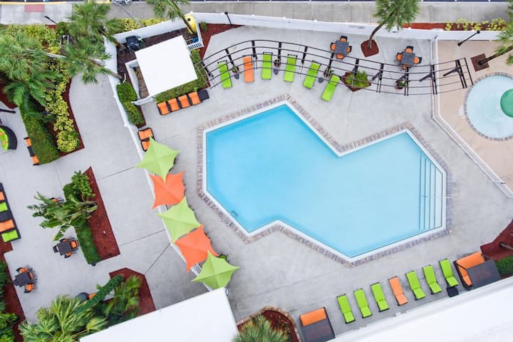 Close to Theme Parks! Cozy Units, Pools, Shuttle