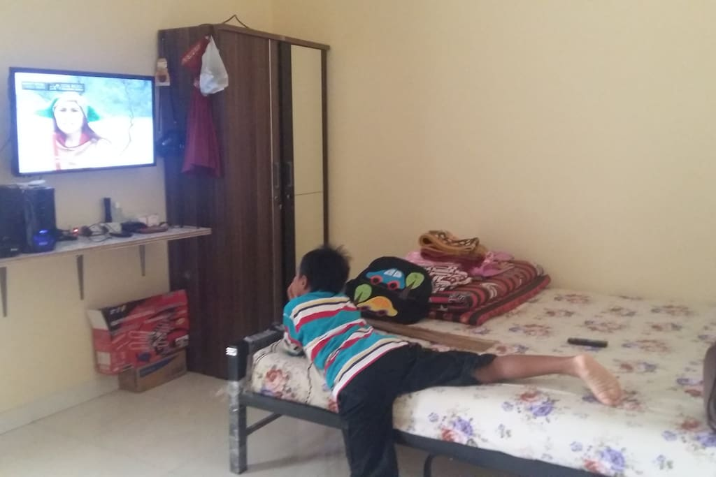Kamar tidur 1 : (1 double bed, 1 extra bed)