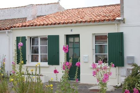Maison de famille avec jardin clos - Île-d'Aix