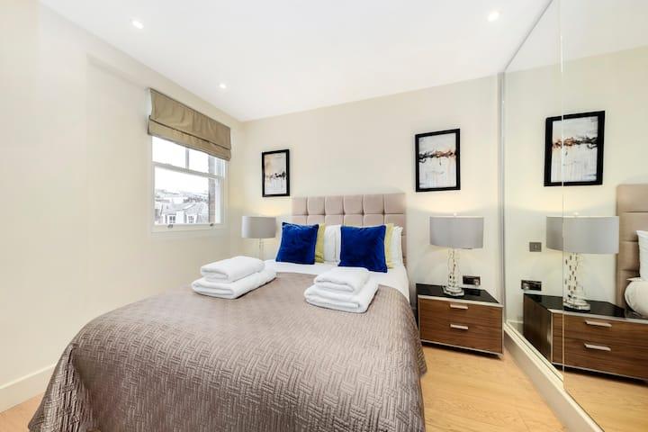 CAPITAL | Luxury Two Bedroom Apartment Soho - GT15
