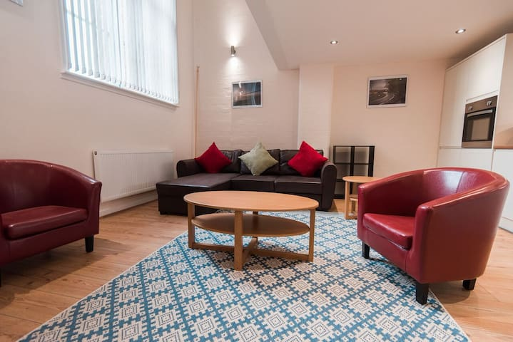 Spacious 1 bed serviced apartment#12