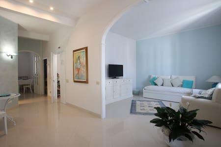 "SUMMER Suite Apartment  ""I Tigli Casa Vacanze"" - Empoli - Apartemen"