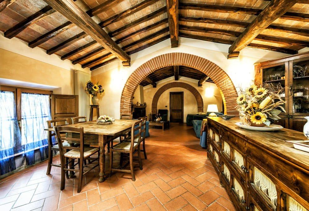 'Gli Archi' apartment :sitting-dining room