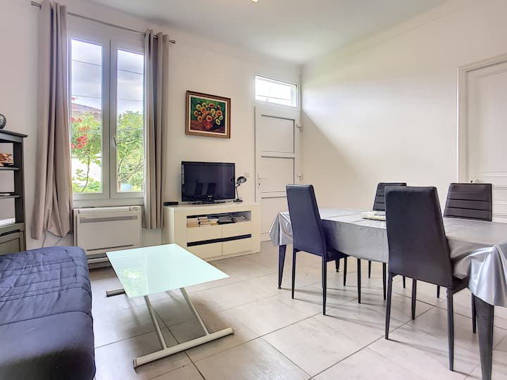 (055) Charming house, garden, air conditioning, parking 2 minutes from the