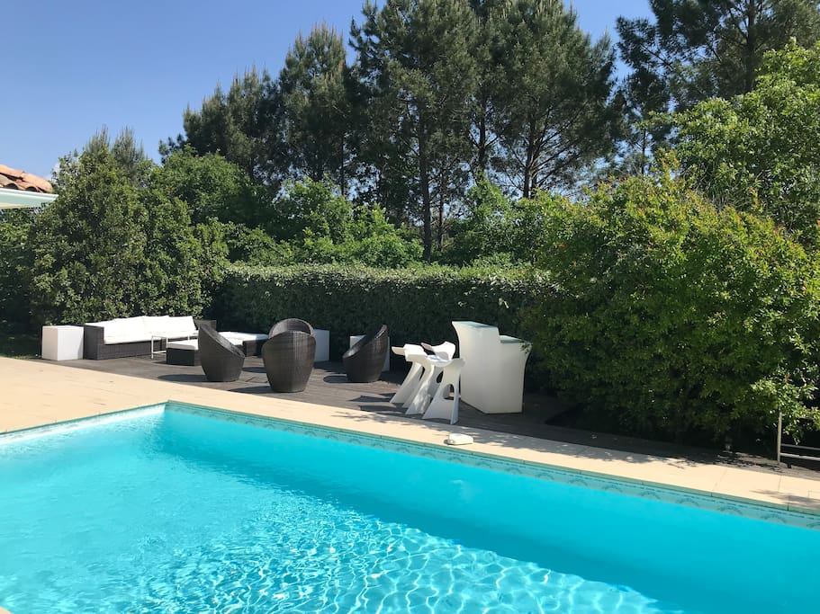Villa accolade pyla sur mer piscine chauff e spa for Piscine la teste