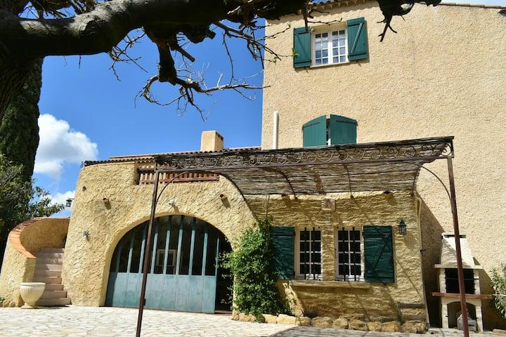 Gîte confortable de 110 m² au cœur de la Provence.