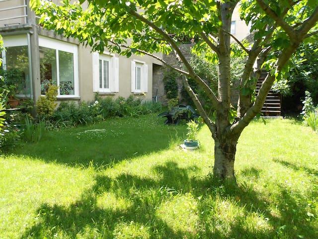 Appartement avec jardin en centre ville - Millau - Leilighet