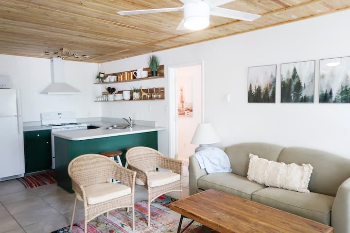 Place In The Pines    Modern Boho Condo