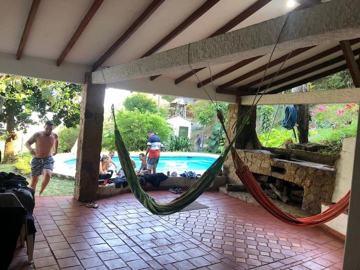 Vacacional Villa Mónaco with Cali view familystyle