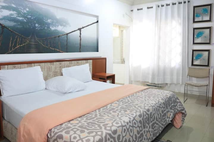 NatureMark Gallery and Guest House - DELUXE ROOM