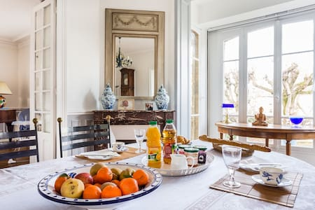 3 private rooms in charming House - Versailles - Bed & Breakfast