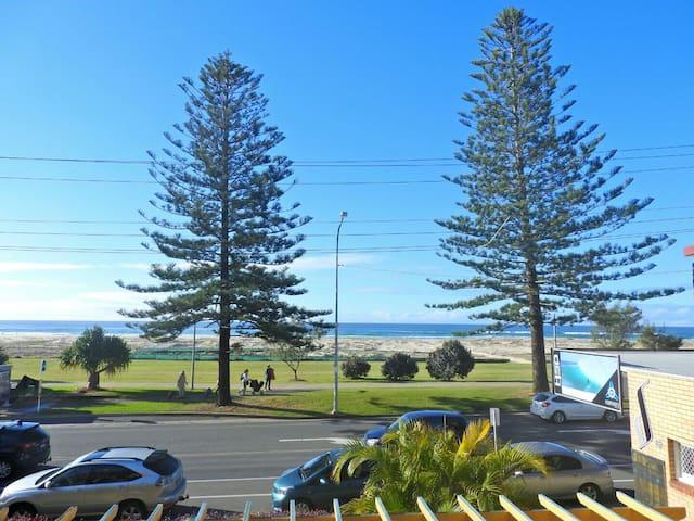 Kirra ocean view apartment - Coolangatta - Byt