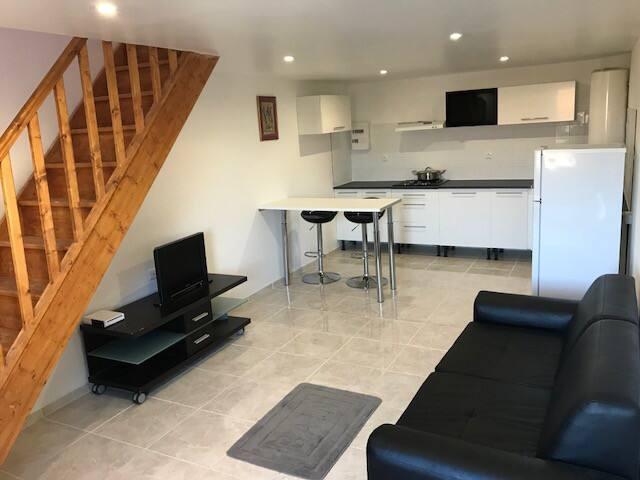Garage aménagé neuf meublé équipé, proche de Dreux