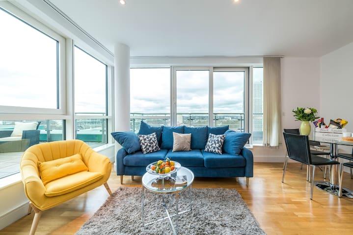 Stunning 2bed Penthouse overlooking London skyline
