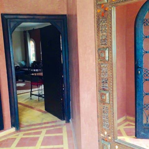 Beach Side 4 Bedrooms Villa Re:1091 - Agadir - Villa