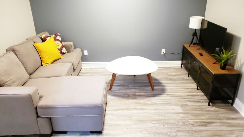 New 2BR in-law suite, 7 mins from Downtown!