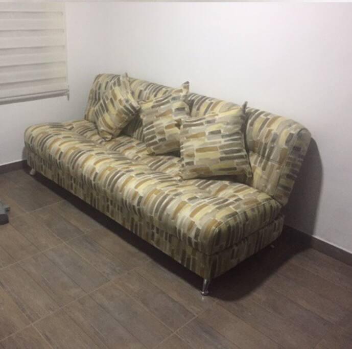 Habitación con sofa cama