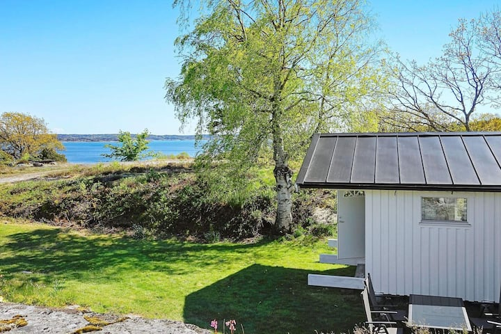 6 person holiday home in HAKENÄSET