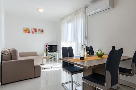 Cozy apartment overlooking the sea - Split