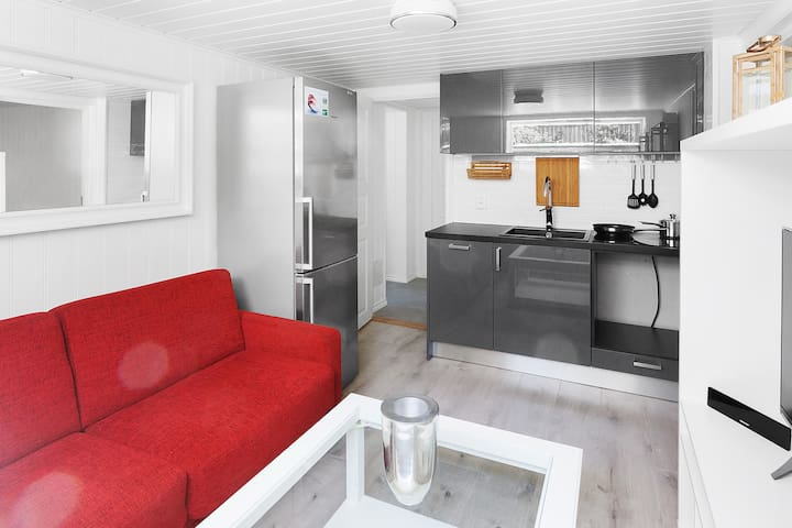 "Top modern and ""cozy"" appartment in Kungshamn"