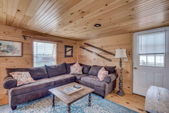 Cozy Cottage Rental w/ Beach, Fire Pit & WiFi #2