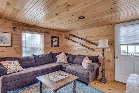 Cozy Cottage Rental w/ Beach, Fire Pit & Free WiFi