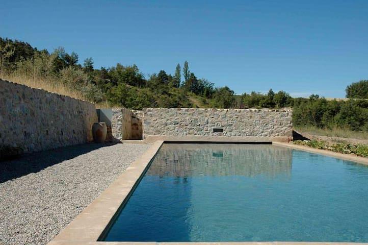 Grande maison avec piscine Alpes de Haute-Provence - Sigoyer - House