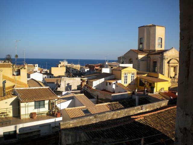 bright CASA HELENE sea view ORTIGIA