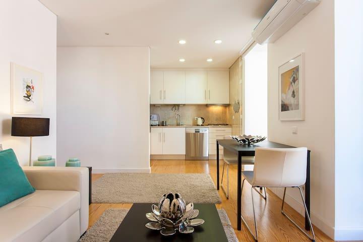 Bright Central Apartment in Principe Real - Lisboa - Apartamento