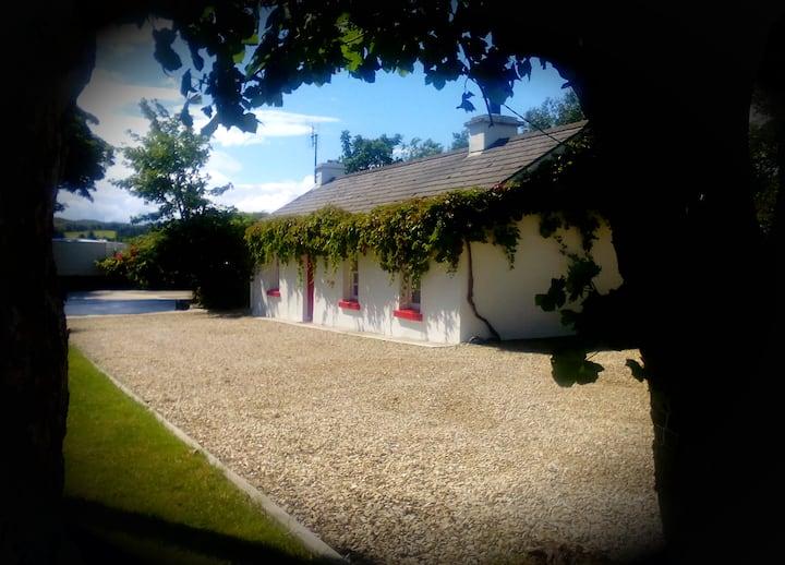 An iostan (The Cottage) Glen Road, Carrick