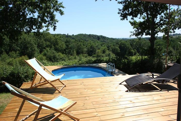 Maison lumineuse-calme-piscine-magnifique vue