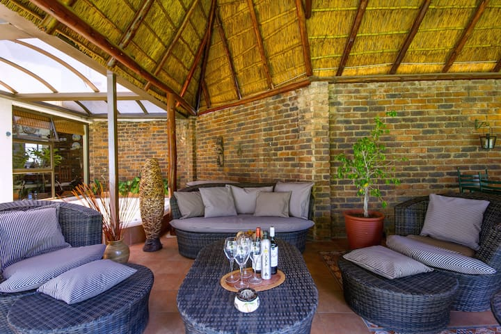 Superb Guesthouse in the heart of Sandton 2