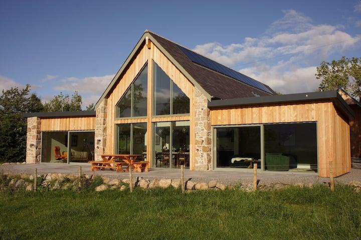 Ferneytoun: Luxury Scottish escape with wow views.