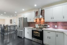 Newly Renovated, Luxurious Retreat in Newmarket