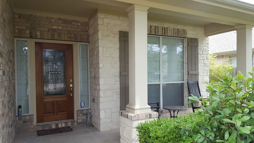 Cozy Convenient Spacious home close to evenything - Cedar Park - Hus