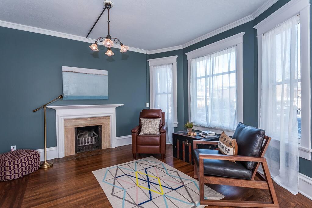 Main floor: Sitting area off of living room