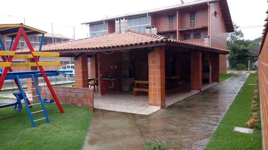 Cond. Maranduba Vile II-Praia do Sapê-Ubatuba-Sp