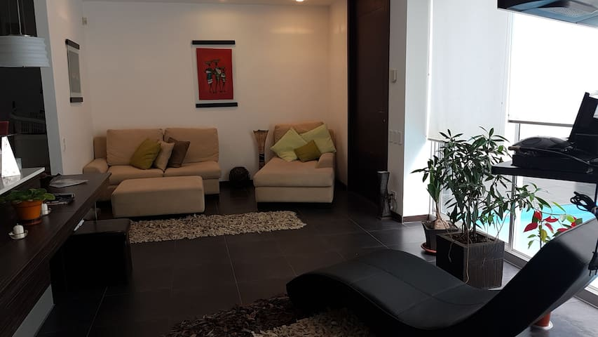 Great location.Apartment in the center of Cumbayá!