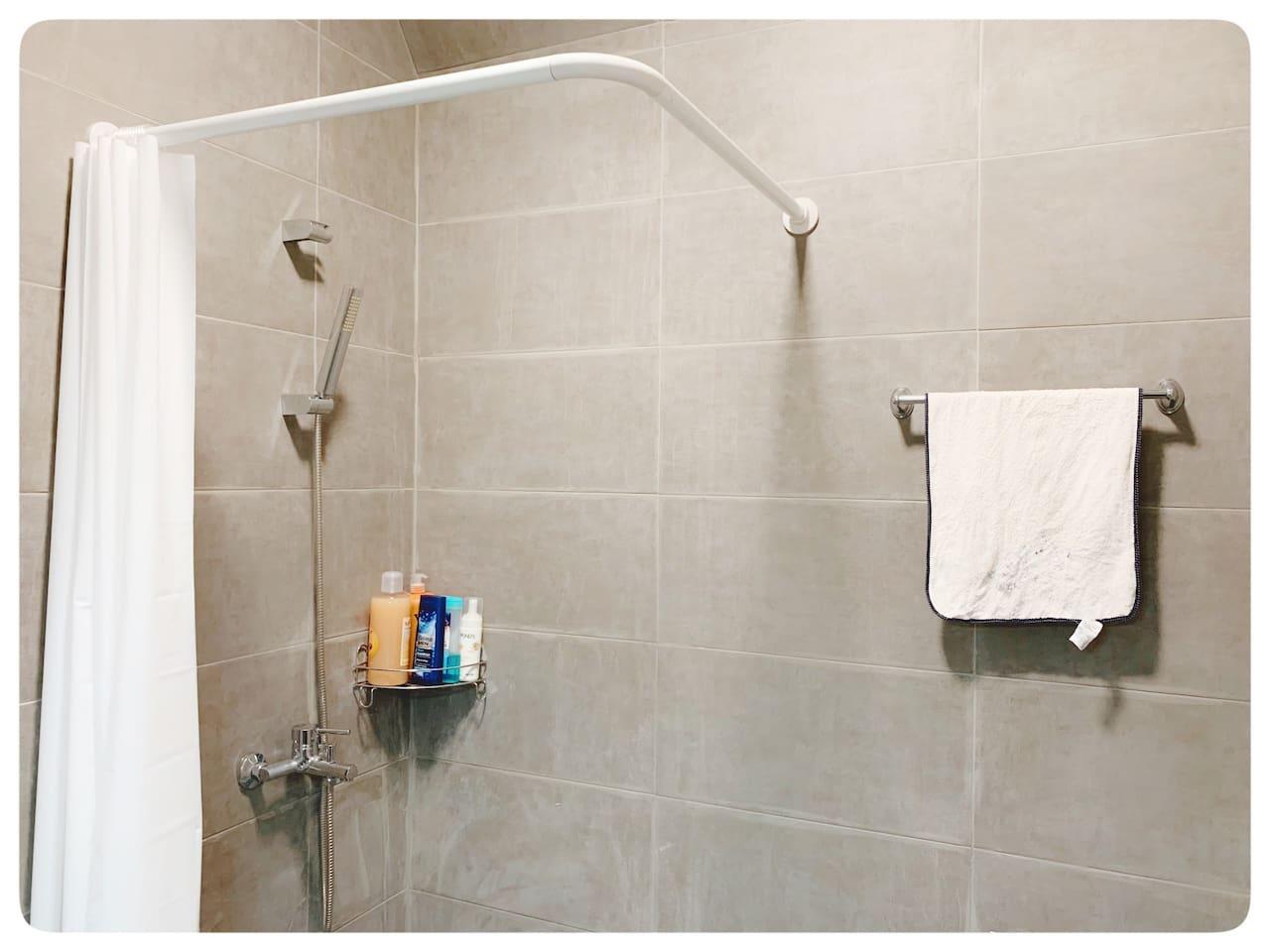 Bathroom A:solar heater