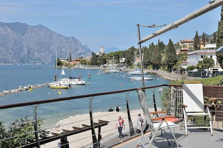 Frontlake Villa With Private Dock - Malcesine - 別荘