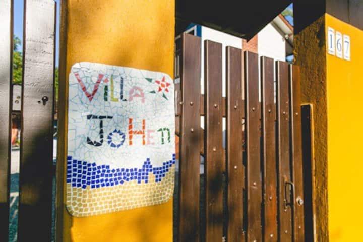 Chalé - Villa JoHen       WhatsApp   11 99118-8653
