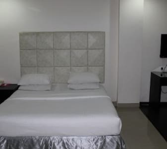 Suite stay for 2 at Gachibowli - Lakás