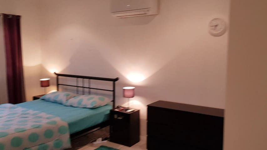 Fully furnished rooms close to city
