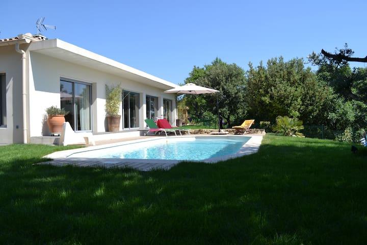 Modern villa in Provence - Vernègues - Dom
